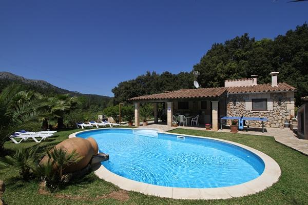 Villa Rentals Demana